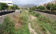 Almuñécar espera el permiso de Medio Ambiente para limpiar sus ramblas urbanas