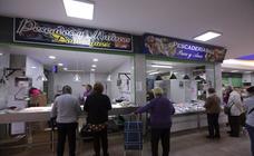 Los comerciantes tratan de reflotar el mercado municipal de Salobreña