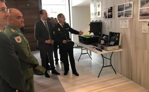 Veinticinco años de trabajo de la Policía andaluza reconocidos en una exposición