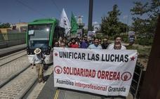 La asamblea de trabajadores del metro de Granada decide este miércoles si vuelve a convocar otra huelga