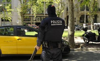 En estado grave una mujer atacada con un hacha por su pareja en Lérida
