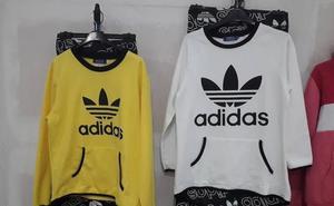 La Policía Local de Ogíjares se incauta de más 1.200 prendas falsificadas