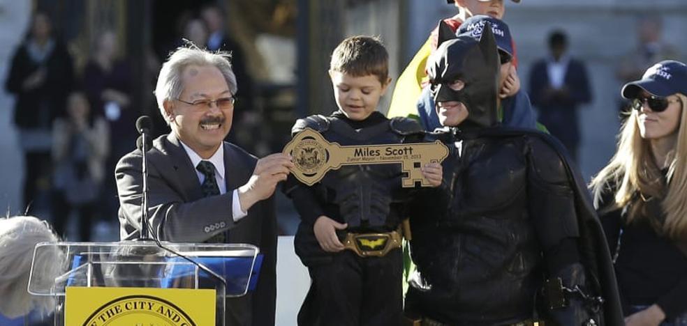 El pequeño con leucemia que fue Batman por un día está libre de cáncer