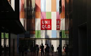 Una pareja roba durante meses en tiendas Uniqlo para venderlo todo por Internet y viajar por China