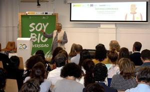 Muhammad Yunus califica la Red emprendeverde como ejemplo del potencial de la economía verde en España