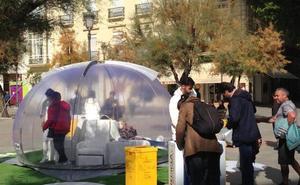 ¿Qué es esa burbuja gigante que se encuentra en la Fuente de las Batallas de Granada?