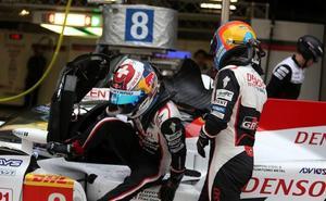 Alonso y Toyota mandan en la lluviosa Shanghái