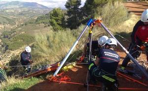 Bomberos de Granada ponen en práctica sus conocimientos en rescates