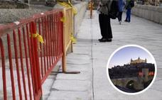 Rompen el suelo de un puente medieval en Toledo para instalar un sistema de iluminación