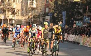 Almería, donde el sol pasa el invierno y los grandes del ciclismo también
