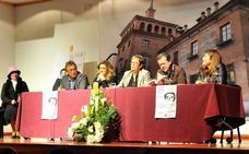 La escritora Mercedes Rueda reivindica el papel de las mujeres que lucharon por la igualdad real