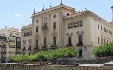 Recurre al Defensor del Pueblo para cobrar del Ayuntamiento de Jaén un premio ganado en 2010