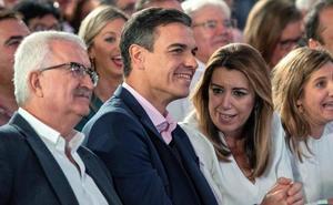 Pedro Sánchez arropa a Susana Díaz en Chiclana y pide «una mayoría rotunda» para que no haya bloqueos