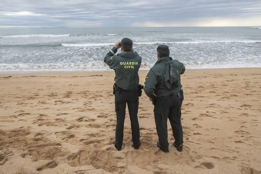 Elevan a 22 el número de cadáveres hallados tras el naufragio de una patera en Cádiz