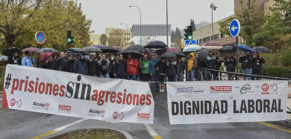 SOS en la cárcel de Albolote: un funcionario por cada 120 presos