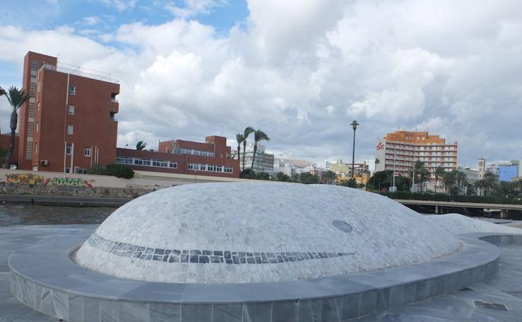 Acaban las obras de La Ballena, donde ya luce el texto en memoria de Gabriel