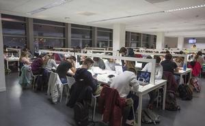 Más de 3.500 estudiantes piden ayuda a la UGR para poder continuar sus estudios