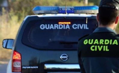 Cinco detenidos al ser sorprendidos tras un robo en un cortijo de Dúdar