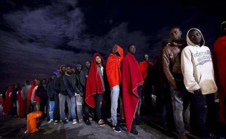 Rescatan más de 600 inmigrantes en el mar de Alborán y trasladan a 140 a Motril