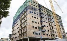 Arranca una nueva fase de la reforma de Santa Adela con la firma de las actas de expropiación de 55 viviendas