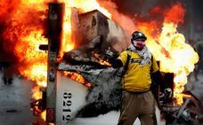 Nuevos enfrentamientos entre la Policía y los 'chalecos amarillos' en París