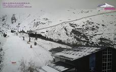 El mal tiempo fastidia el segundo día de temporada en Sierra Nevada