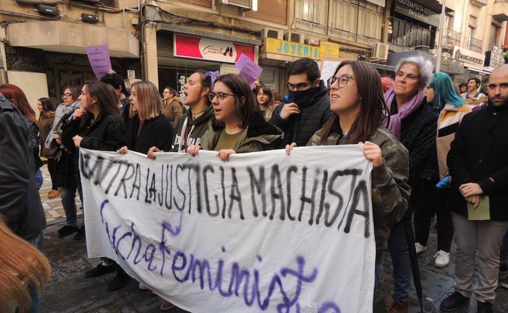 Jaén se manifiesta contra la violencia de género