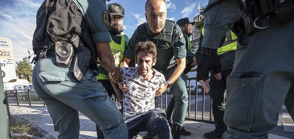 La Guardia Civil seguirá sin tener fundas antihurto