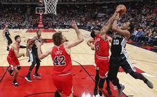 DeRozan lidera el triunfo de los Spurs, que siguen sin Pau Gasol