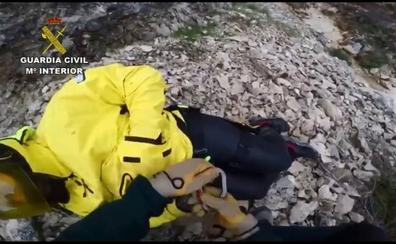 Así rescató la Guardia Civil al barranquista herido en Santiago Pontones