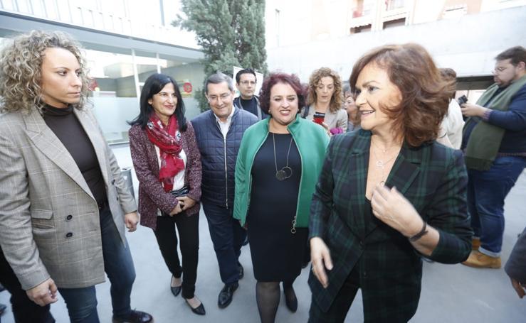 Carmen Calvo en Granada: «Susana Díaz tiene que seguir teniendo el timón»