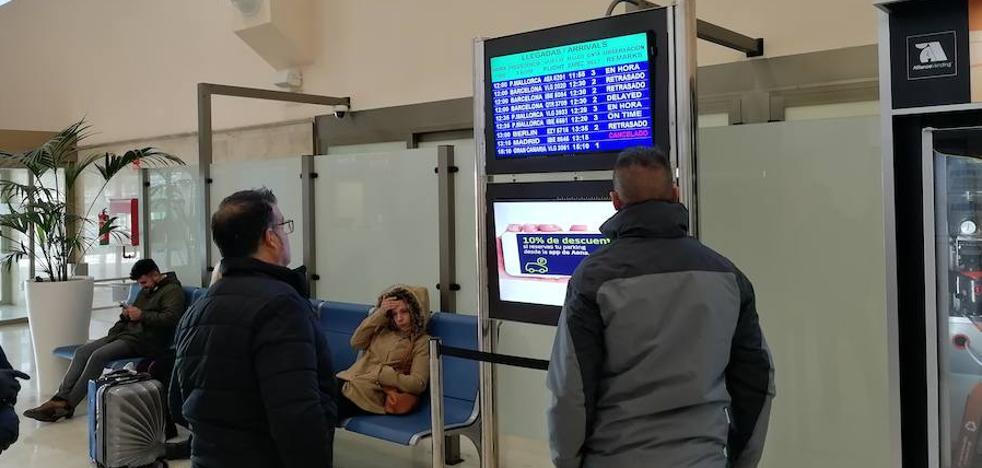 Cancelan cuatro vuelos para el viernes en Granada por la huelga de Air Nostrum
