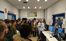 Alumnos aprenden sobre el cáncer en el Hospital de Jaén