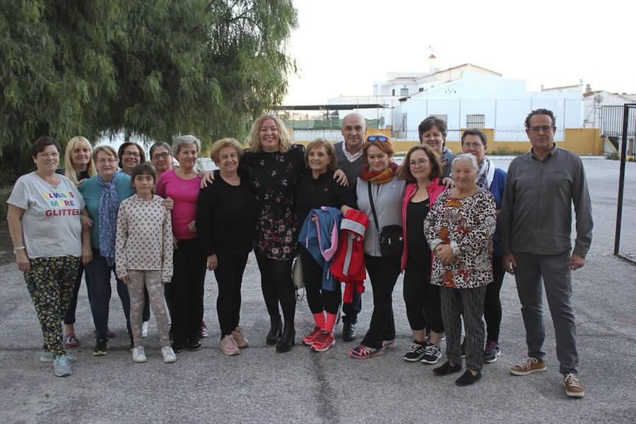 Los talleres de barrio fomentan la creatividad y el ocio de más de 200 mayores motrileños