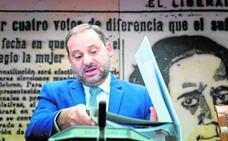 Ábalos acusa a De la Serna de dar plazos imposibles de cumplir en las obras del AVE