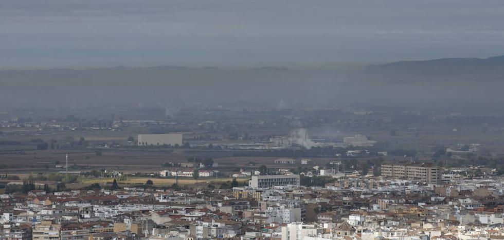 31 de diciembre de 2025: Prohibido circular por el Centro de Granada sin etiqueta Cero Emisiones o Eco