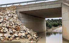 Alertan del riesgo de derrumbe de la A-323 en Píñar