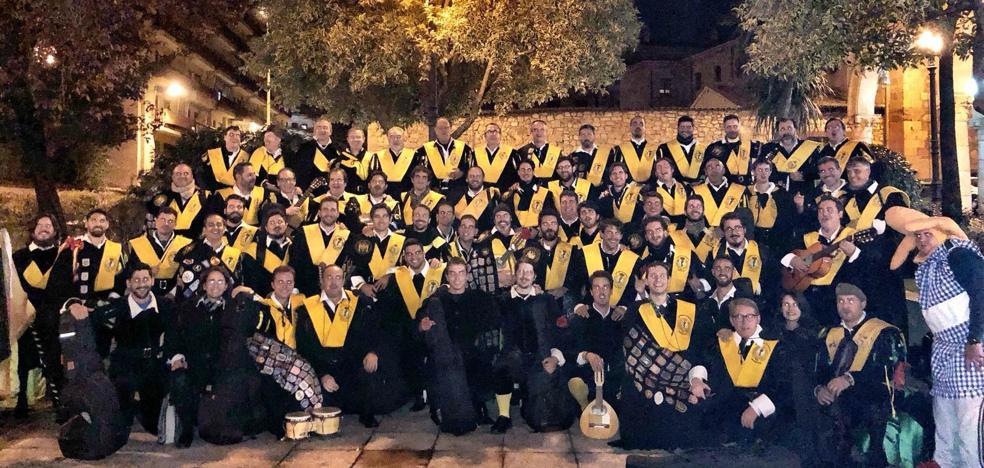 Cinco generaciones, 70 músicos y meses de ensayo: así ganó Granada el Certamen Nacional de Tunas de Medicina