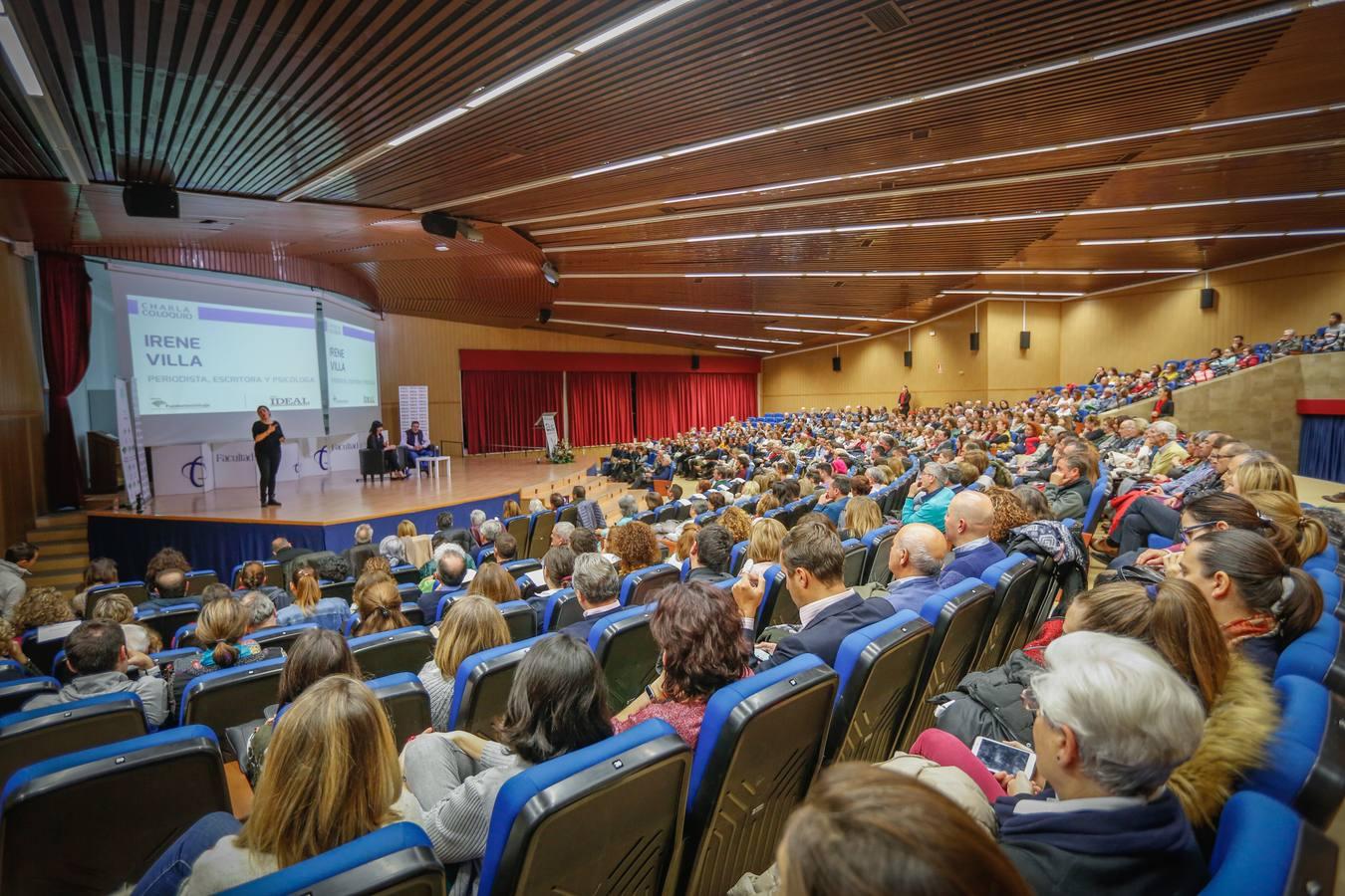 Irene Villa y Emilio Calatayud en la Escuela de Padres de IDEAL