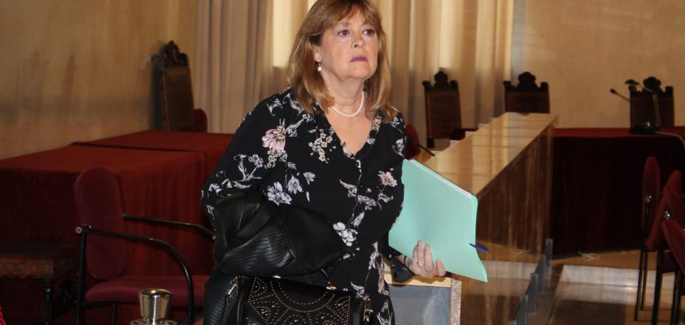 Mabel Hernández conmina a cambiar el reglamento de pleno para cobrar un sueldo