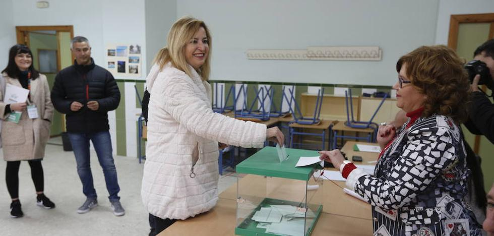 Carmen Lizárraga (AA): «Votar para rescatar la democracia»