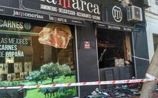 Un incendio calcina un local de Lamarca de Almería y deja dos atendidos por inhalación de humo