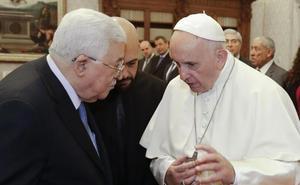 El papa dice que «la homosexualidad está de moda» y que le preocupa que haya religiosos «homosexuales»