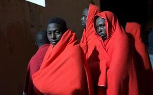 Rescatadas en Alborán y trasladadas a Motril 38 personas de origen subsahariano