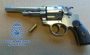 Atraca una panadería de Granada con una pistola y se lleva 150 euros y una moto