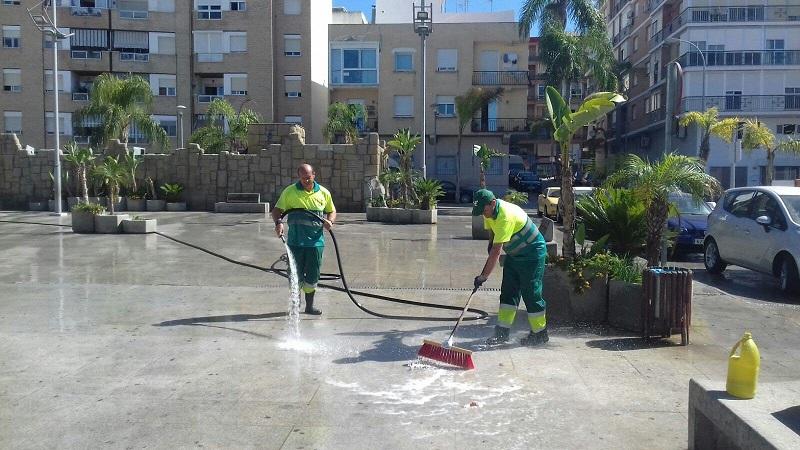 Almuñécar tiene vía libre para adjudicar el servicio de limpieza de calles y playas