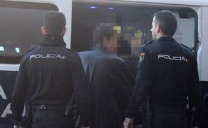 Detenidos los tres atracadores de un salón de juegos en La Cañada