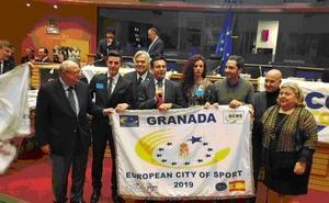 Granada recoge en Bruselas la bandera que la acredita como 'Ciudad Europea del Deporte'
