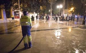 Desalojo pacífico de la concentración en la Plaza del Carmen