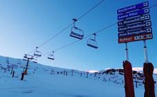 Sierra Nevada abre la Loma de Dílar y el sector del snowpark y amplía la oferta para el puente